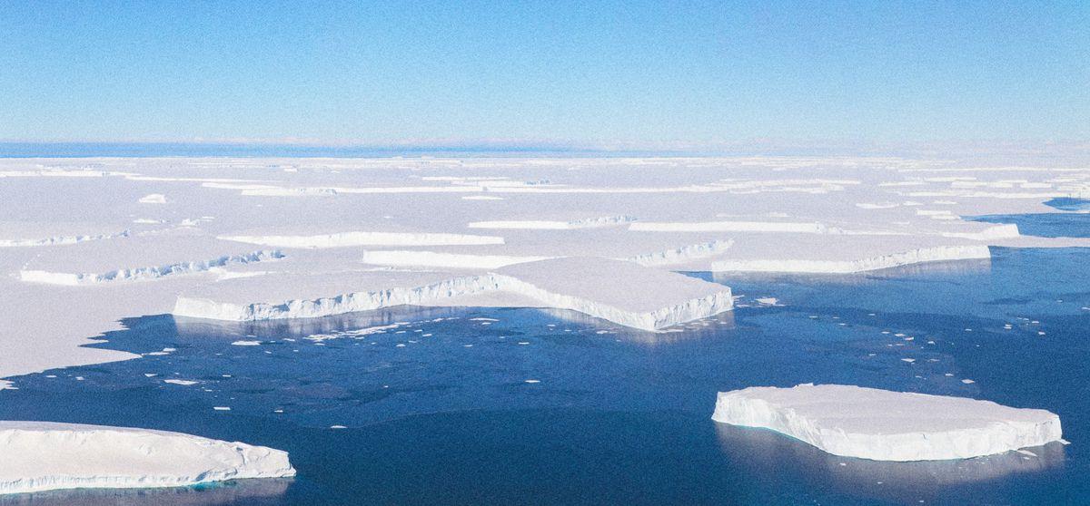 Antarctica's Thwaites Glacier - Jeremy Harbeck, NASA